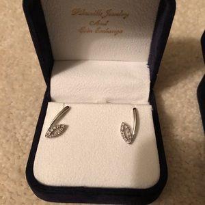 Jewelry - Diamond and silver earrings